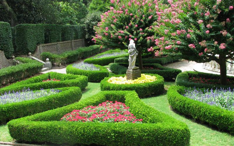 Ландшафтный дизайн загородного дома: основные стили, правила оформления и полезные рекомендации